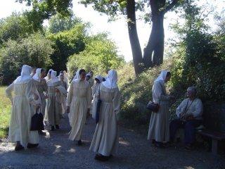 소풍 나온 자매들